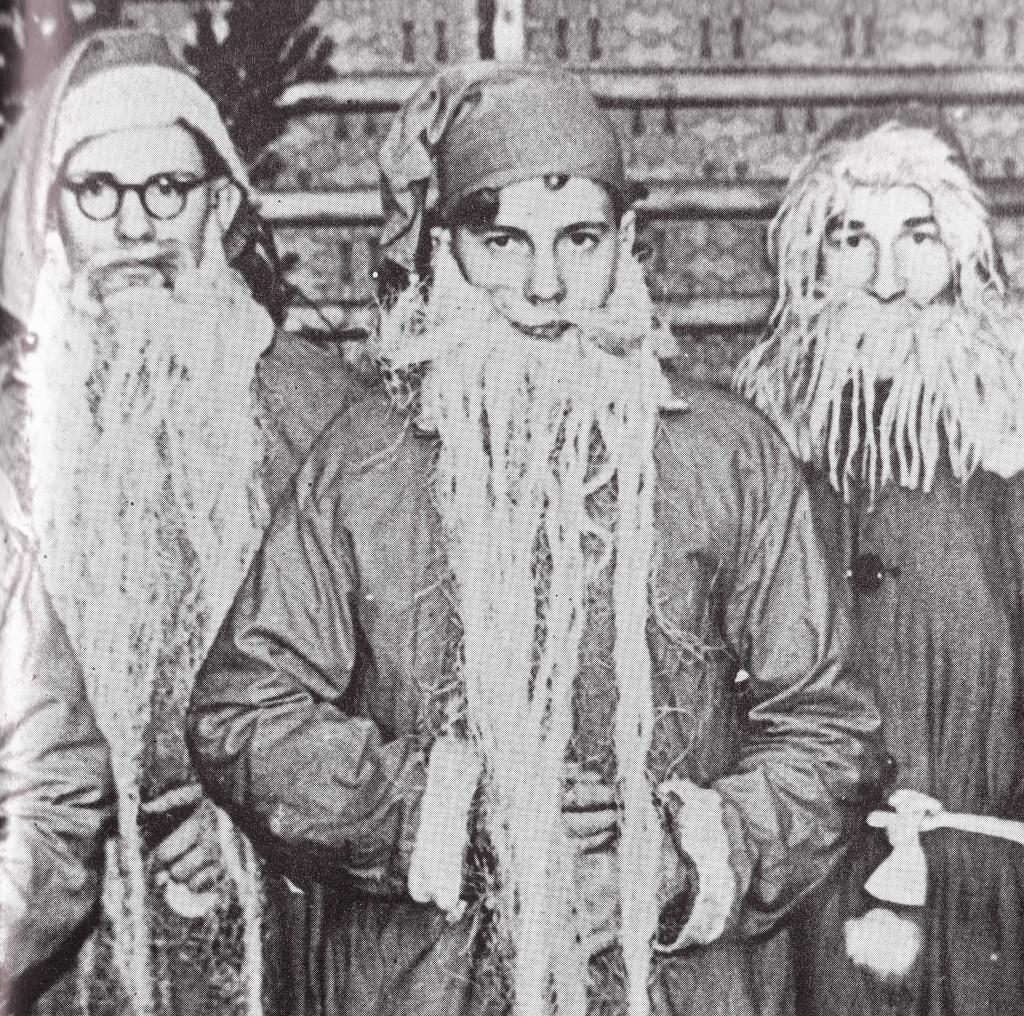 Joulupukkeja vuodelta 1945